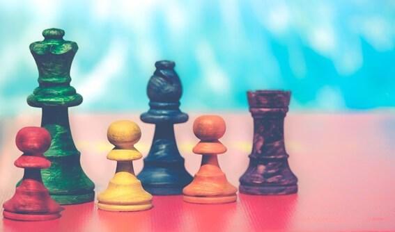 Quais são os benefícios de jogar xadrez?